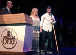 Randy Travis Makes Surprise Grand Ole Opry Appearance