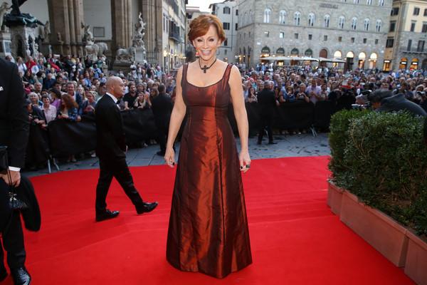 Reba Honored With Andrea Bocelli Humanitarian Award