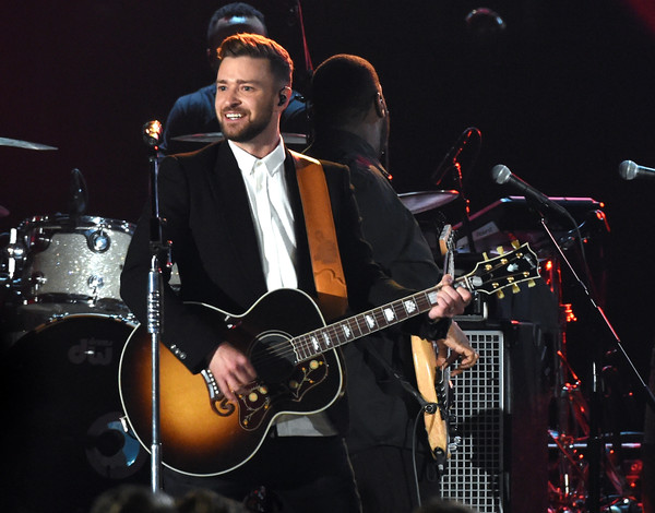 Justin timberlake donates guitar to nashville uso sounds for How many kids does chris stapleton have