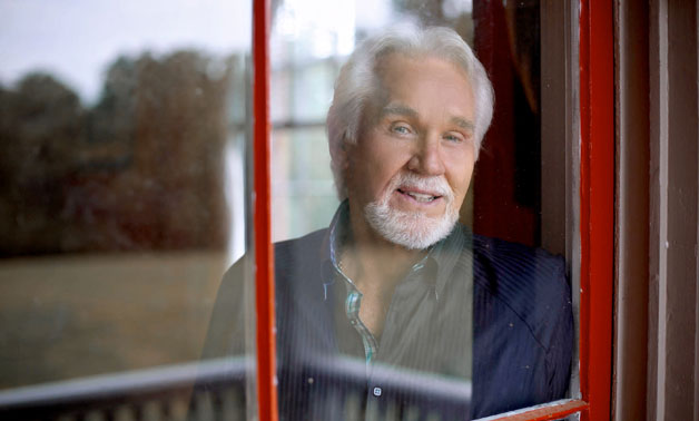 Kenny Rogers Calls Alison Krauss, Jennifer Nettles & Home Free 'Great Partners' on Christmas Album
