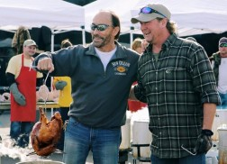 Tracy Lawrence Celebrates 10 Years of Turkeys at Annual Thanksgiving Charity Event