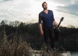 Randy Houser Removes Rowdy Fan From Kentucky Concert