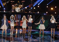 Emily Ann Roberts and Friends Sing Rascal Flatts' 'Summer Nights' On 'The Voice' Finale