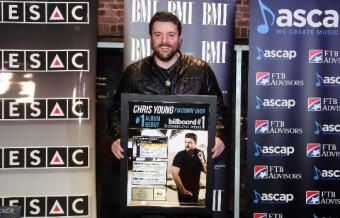Chris Young Toasts 'I'm Comin' Over'