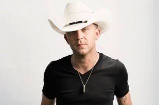 Justin Moore Thinks His Youngest Daughter is Smarter Than Him