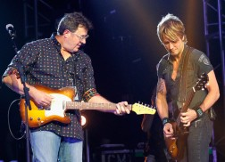 Keith Urban, Vince Gill Announce 6th Annual 'All for the Hall' Concert