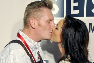 Joey + Rory Release New Album, Reveal Plans For Valentine's Day, The Grammys & Daughter's Birthday