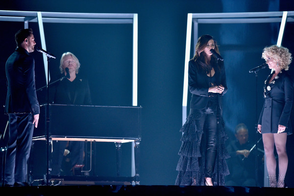 Little Big Town Stuns with GRAMMYs 'Girl Crush' Performance