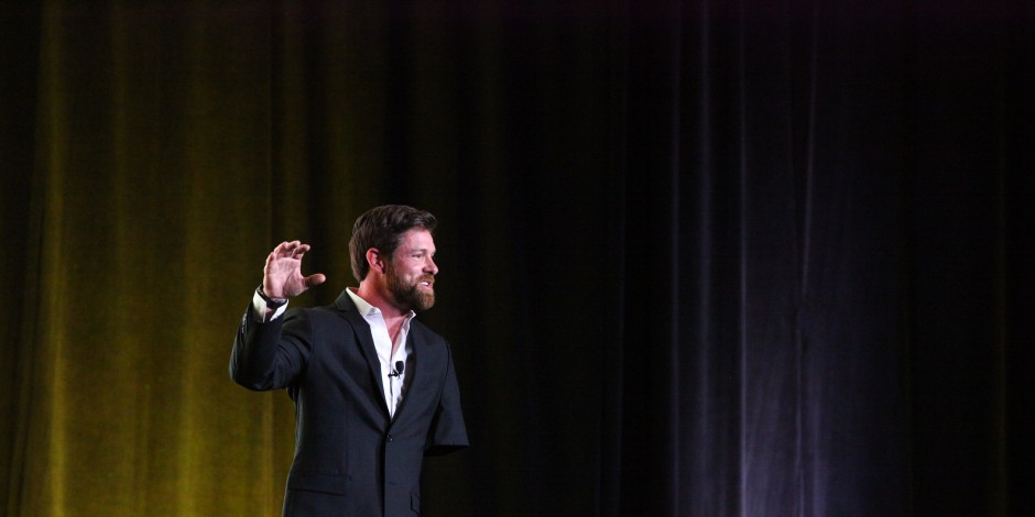 Noah Galloway Tells His Story at Big & Rich Party