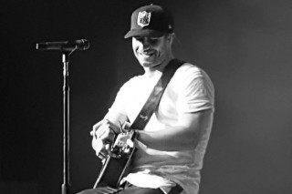 Sam Hunt Hosts Late Night 'House Party' at Ryman Auditorium