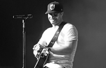 Sam Hunt Hosts Late Night 'House Party'