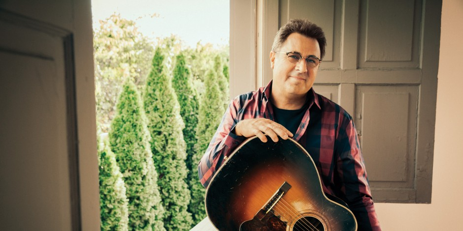 Vince Gill to Embark on Solo 2018 Tour