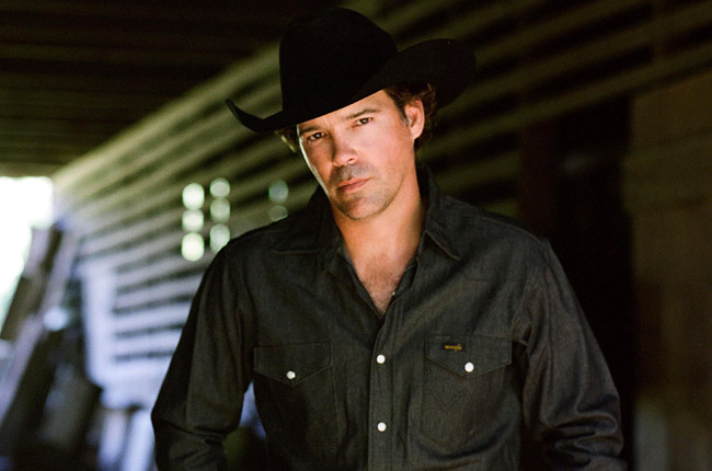 Clay Walker Preps For Band Against MS Ride