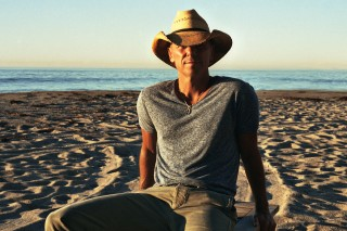 Kenny Chesney Goes Into Sensory Overload in 'Noise' Video