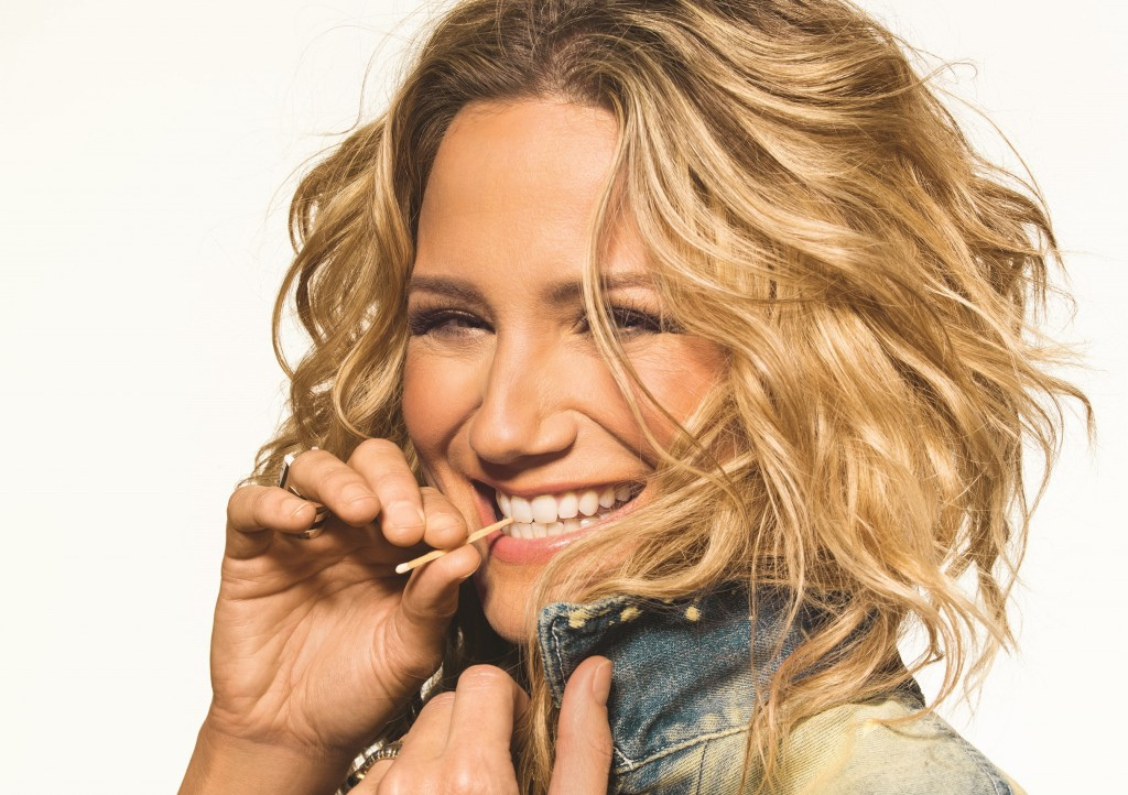 Jennifer Nettles Reveals Playing With Fire Release Date