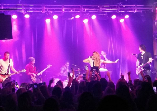 Jessie James Decker Plays Sold-Out Crowd in Nashville, TN