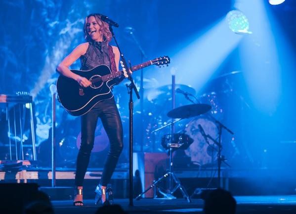 Jennifer Nettles Sings 'Bohemian Rhapsody' and Kills It! | Sounds ...