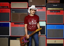 Brad Paisley to Host Comedy Shows for Wild West Comedy Festival