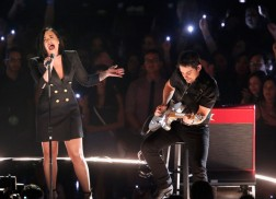 Brad Paisley Joins Demi Lovato for iHeartRadio Music Awards Performance