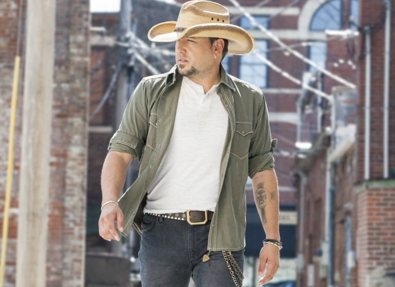 Jason Aldean Maintains Structured Schedule While on Tour