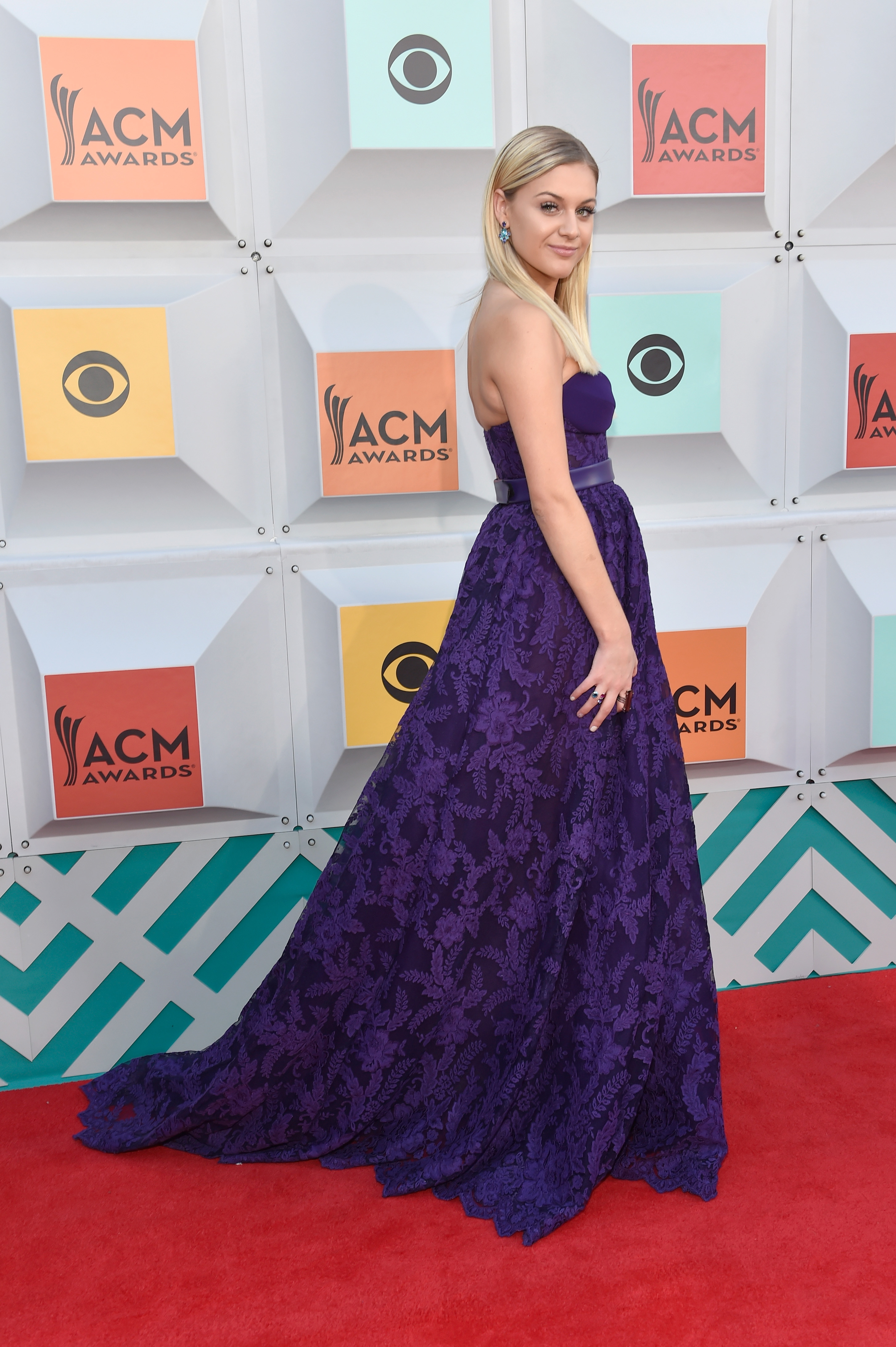 photos: 51st annual acm awards - red carpet arrivals | sounds like
