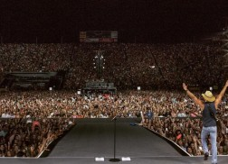 Kenny Chesney Kicks Off Spread the Love Tour with 50,000+ Fans