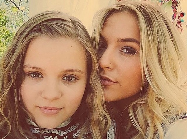 Lennon Amp Maisy To Launch Home Furnishings Collection With Pbteen Sounds Like Nashville