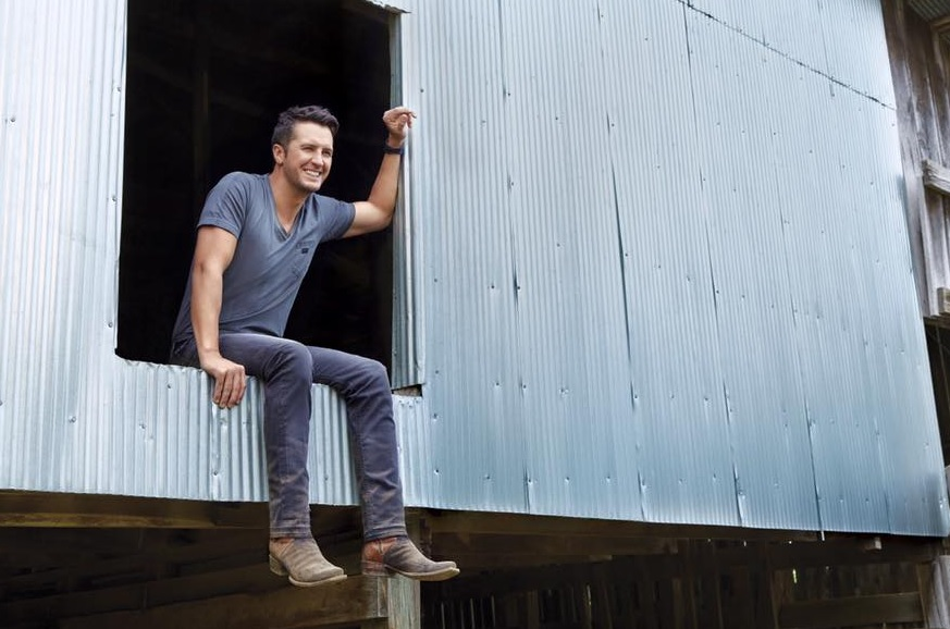 Luke Bryan Releases Family-Filled Video for 'Huntin', Fishin' And Lovin' Every Day'