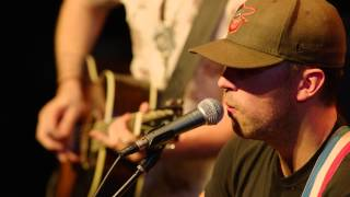 Brothers Osborne - Rum acoustic at the HGTV Lodge