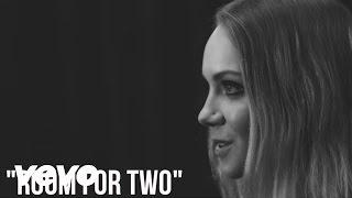 Danielle Bradbery - Room For Two (Acoustic)