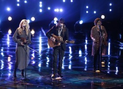 Adam Wakefield and Alison Krauss Perform on Season 10 The Voice Finale