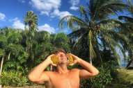 Billy Currington's 'Summer Forever' Tour of Hawaii: Life Tips Inspired By His Beach Holiday Pics