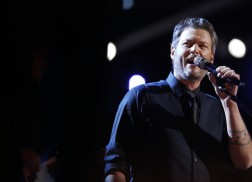 Blake Shelton Sings 'She's Got A Way With Words' On The Voice