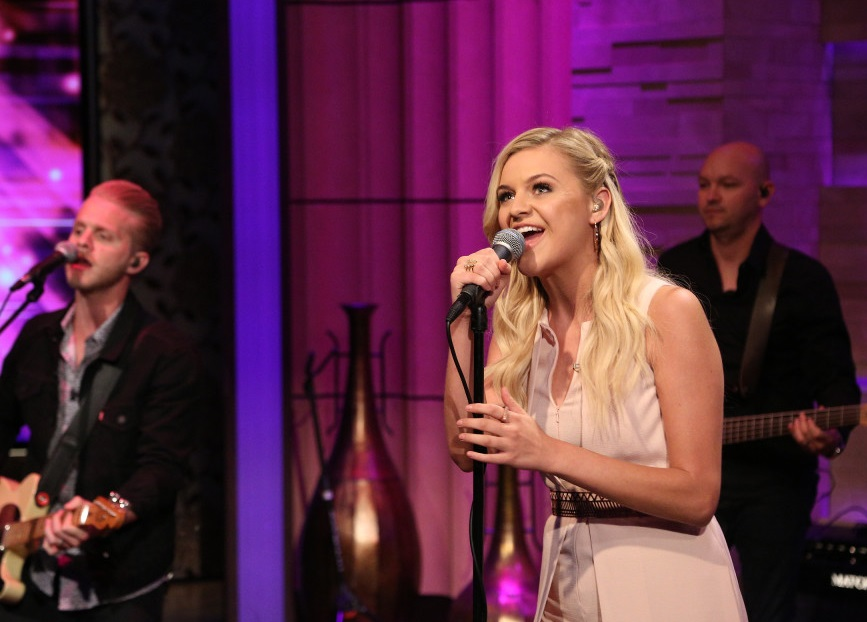 Kelsea Ballerini Stops By 'Live! With Kelly and Michael' to Perform 'Peter Pan'