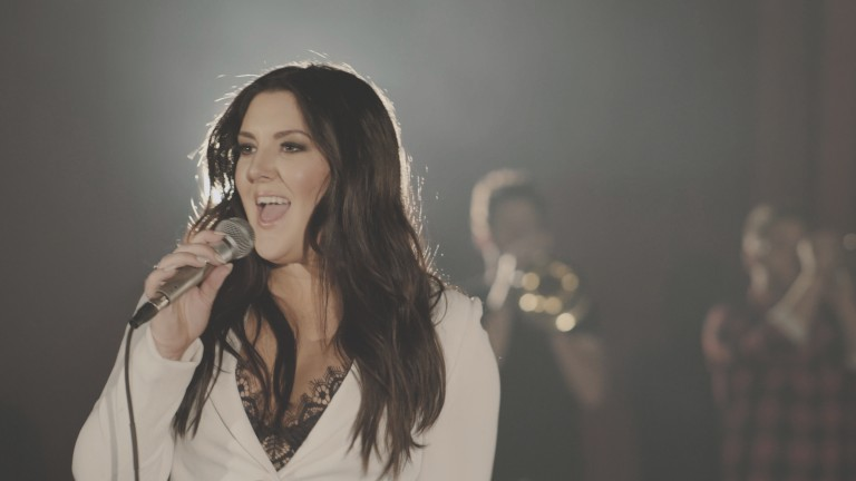 Kree Harrison is 'Moving and Shaking' in 'This Old Thing' Music Video