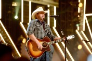 Toby Keith Pays Tribute to Merle Haggard at American Country Countdown Awards