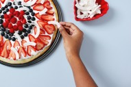 Make a Dessert Pizza for Memorial Day