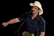 Brad Paisley Helps Fan Propose to Longtime Girlfriend During Concert