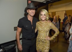 Tim McGraw, Carrie Underwood Win Big at 2016 CMT Music Awards
