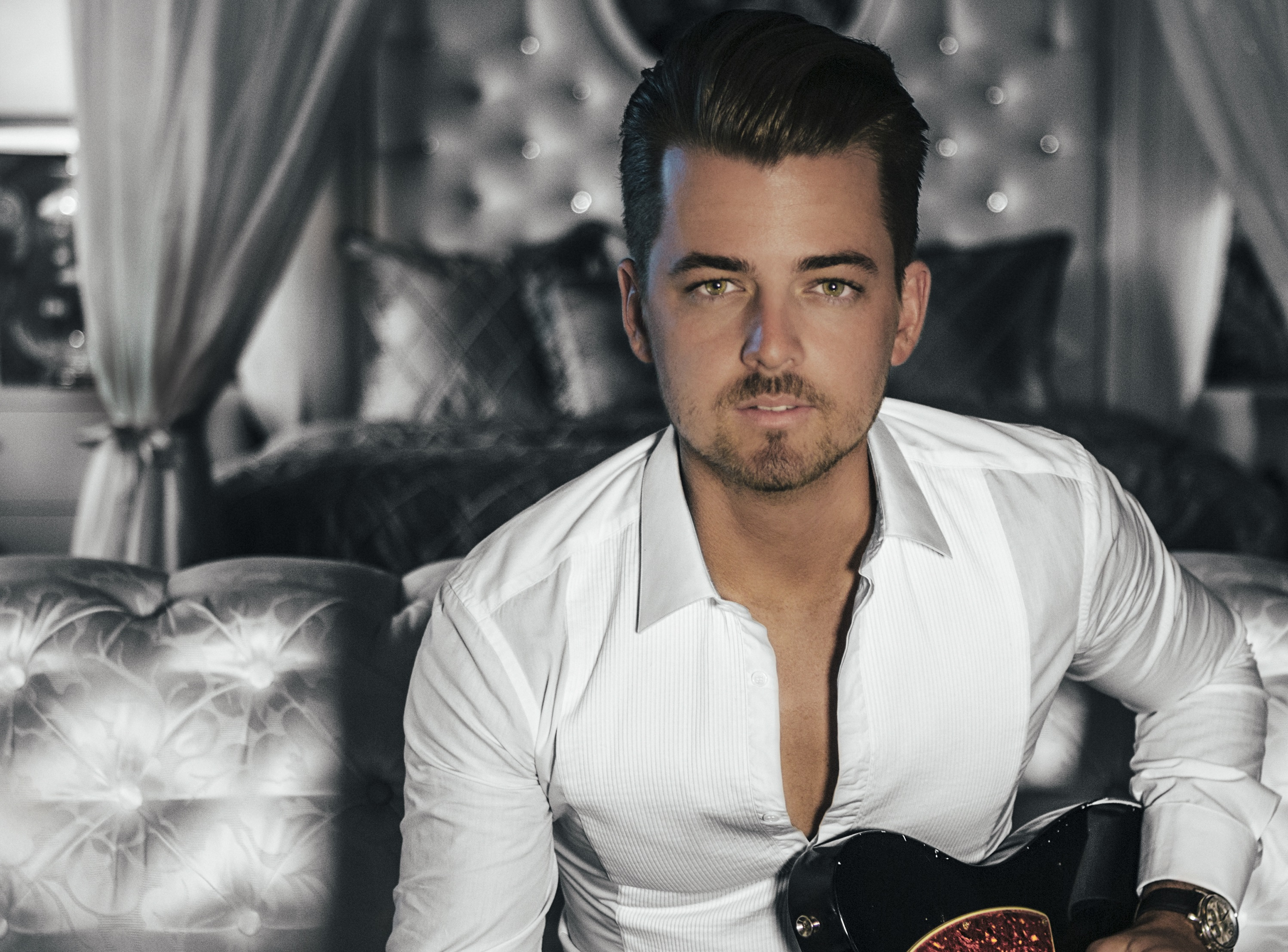 Chase Bryant Chooses His Go-To Festival Tunes Ahead of Boots & Hearts 2016