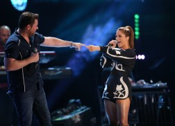 Blake Shelton, Steven Tyler, Chris Young Bring Surprise Guests to Saturday's CMA Fest Nightly Concert