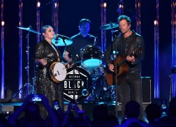 Dierks Bentley and Elle King Share Strong Message in Performance of 'Different for Girls' at CMT Awards