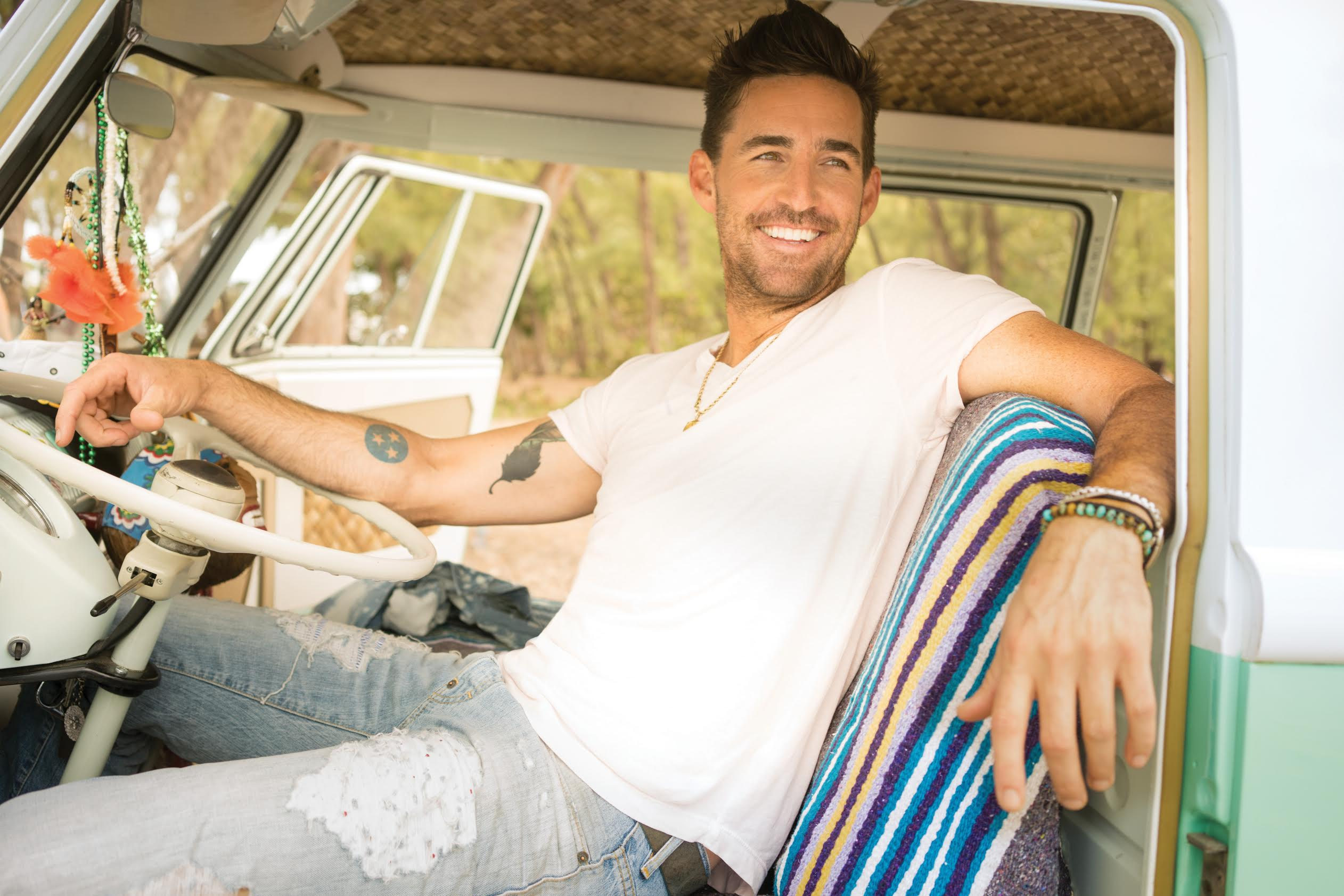 Jake Owen Scores Sixth No. 1 Single with 'American Country Love Song'