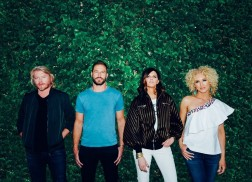Little Big Town's Kimberly Schlapman Recalls the Moment the Group Won Their First CMA Award