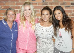 Jamie Lynn Spears and Friends Bond at 'Sleepover' Fan Party