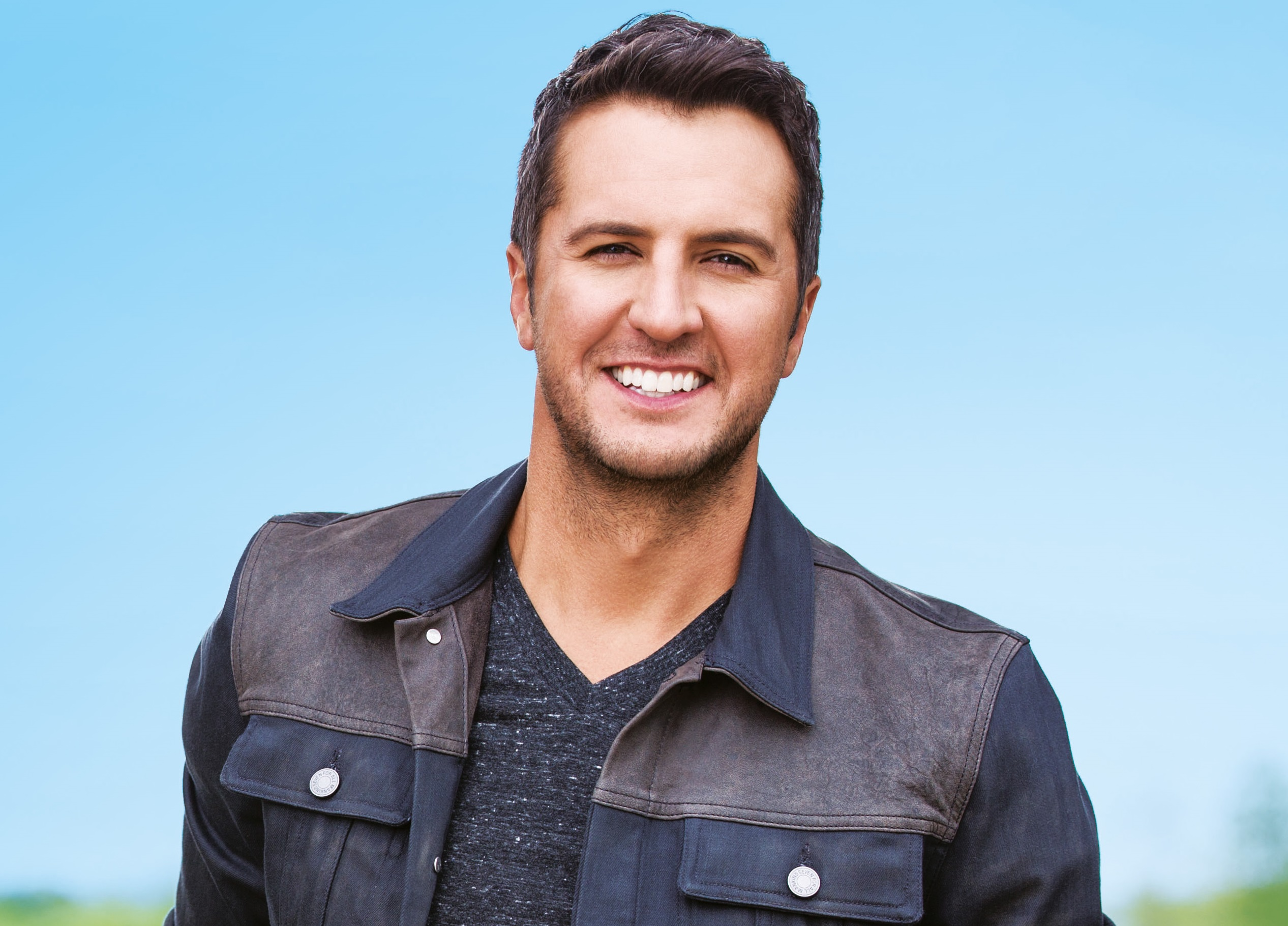 EP Review: Luke Bryan's 'Farm Tour…Here's to the Farmer'