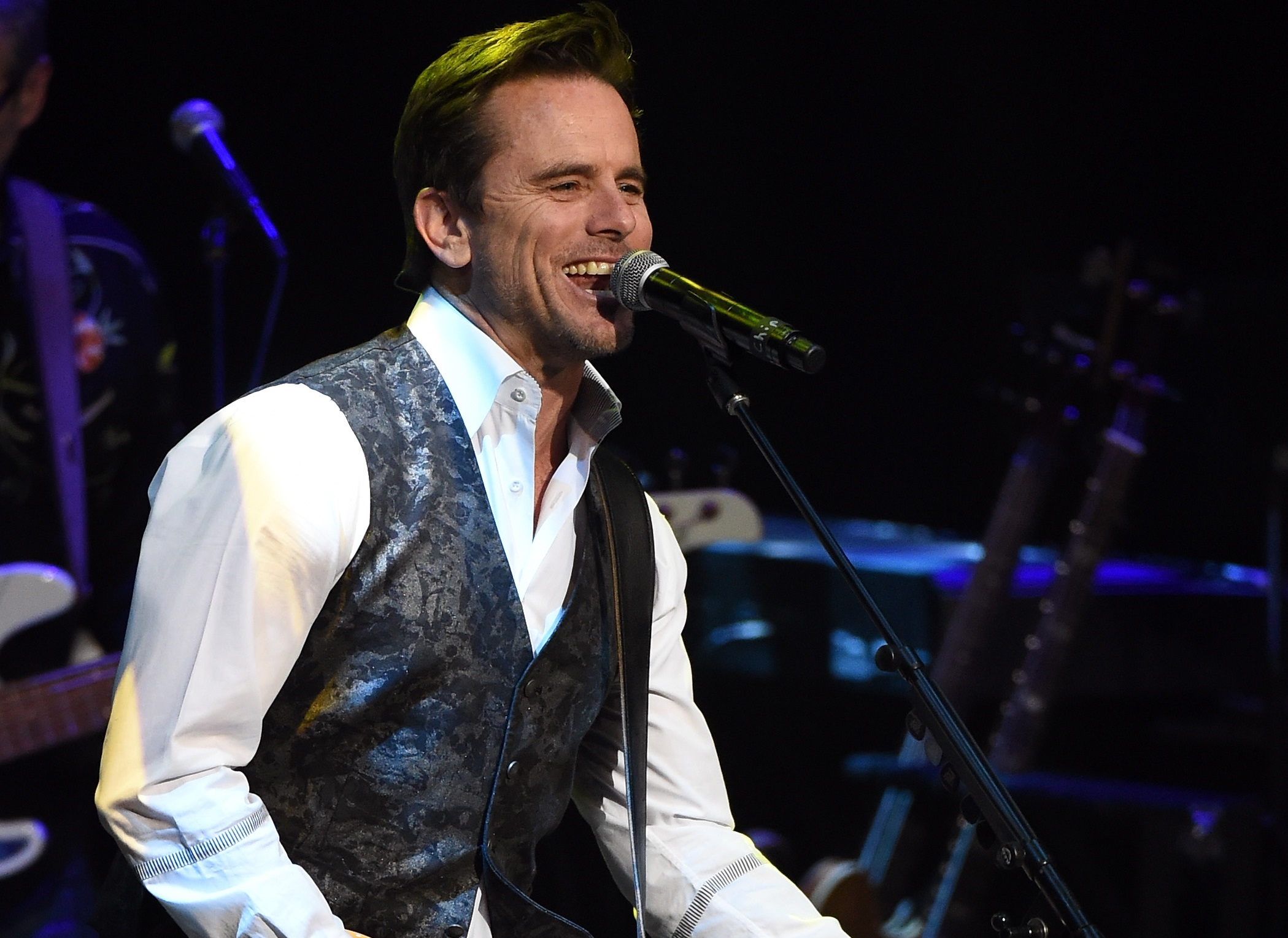 Charles esten to release new music everysinglefriday sounds like