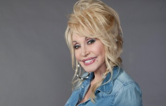 Dolly Parton Denies Discussion of Politics