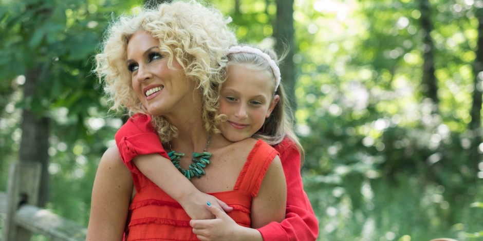 Little Big Town's Kimberly Schlapman Shares Video of Her Daughter's Sweet Serenade