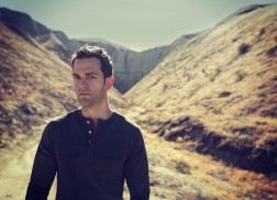 There's 'Something' About Ryan Kinder and His Rockin' Tone